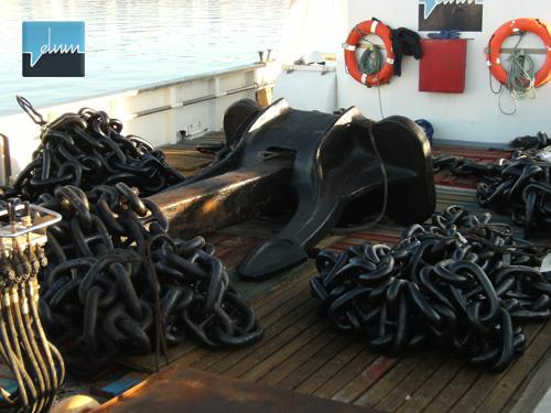 ancla en barco Ceutamar Cinco